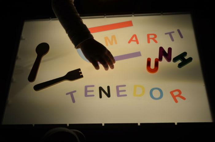 formar palabras en la mesa de luz, lectoescritura con imprimible
