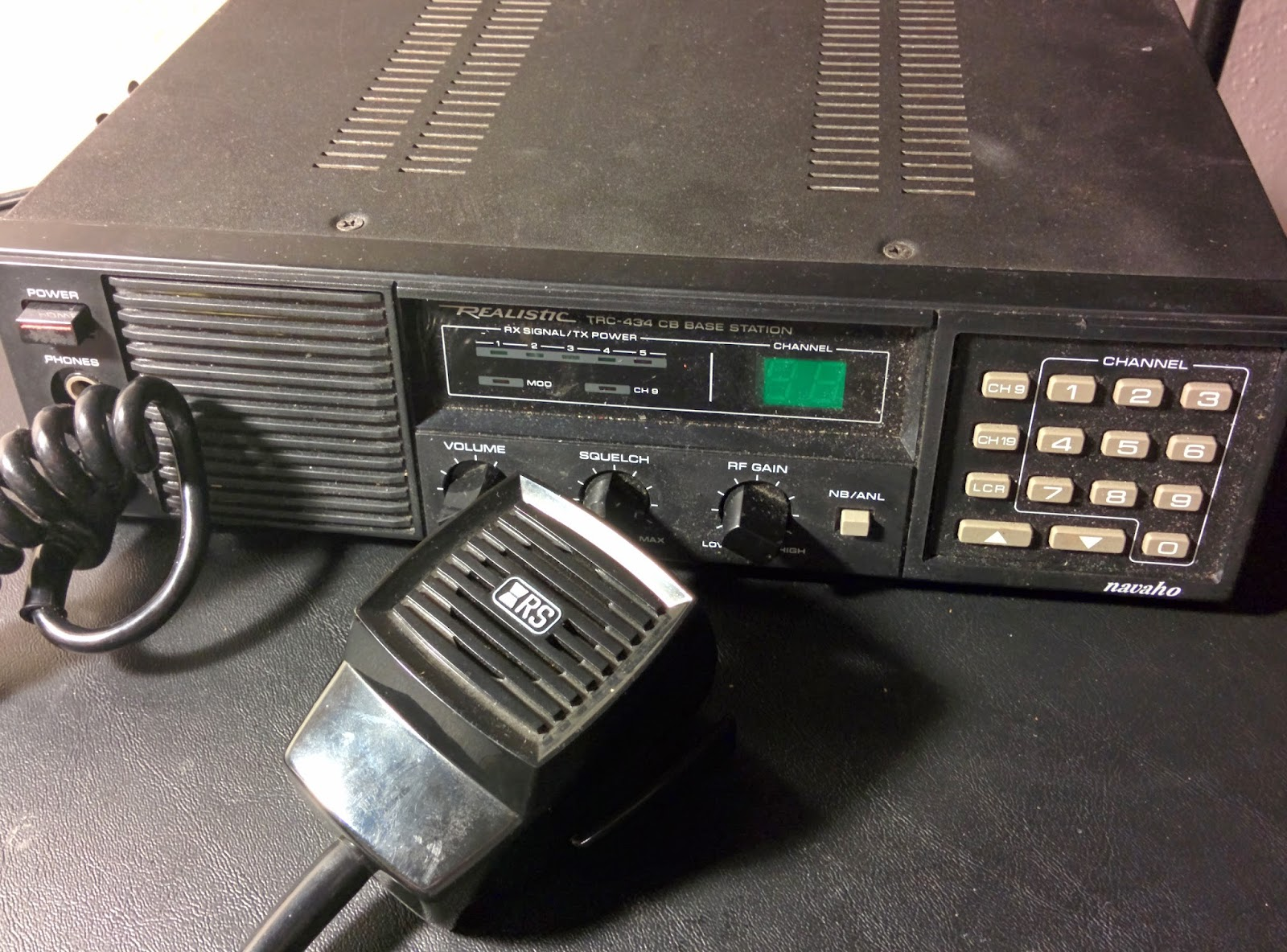 Retro Tech!: 1987: Realistic Navajo TRC-434 CB Radio Base