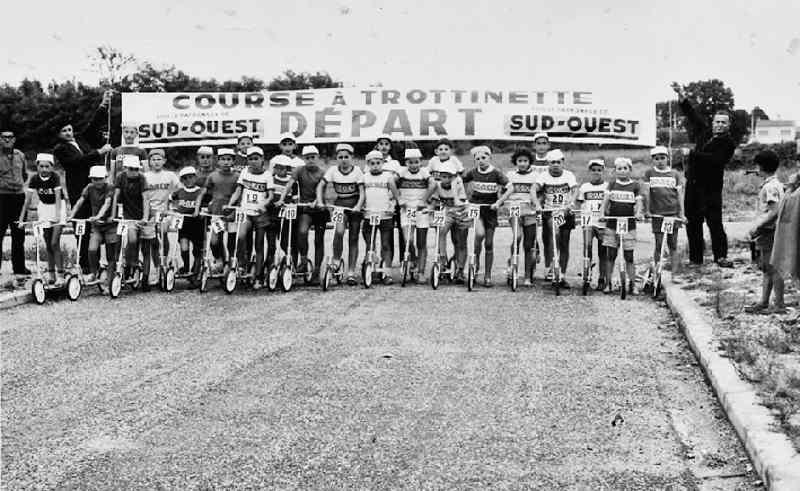 Course de trottinettes à Bègles, années 50-60