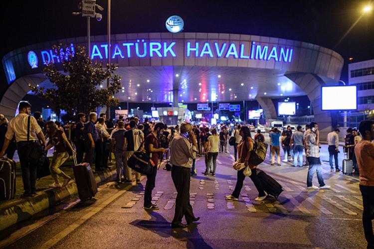 तुर्की के सबसे बड़े शहर इस्तांबुल  पर हुए आत्मघाती हमले