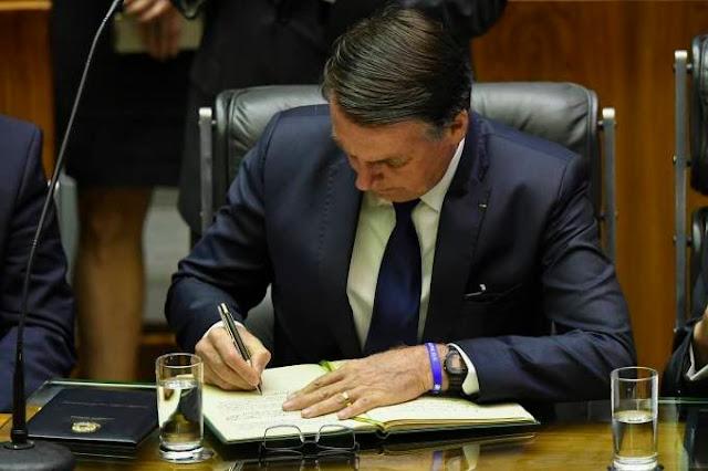 Bolsonaro prorroga incentivo fiscal para empresas do Norte e NE e veta para o Centro-Oeste