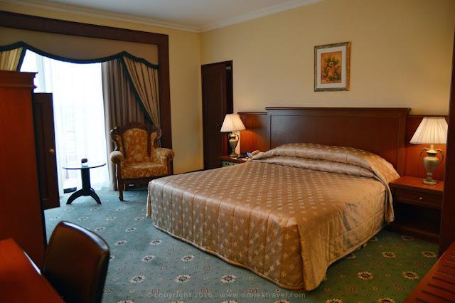 Dekorasi di bilik Presidential Suite Hotel Klana Resort Seremban yang mewah