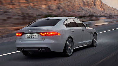 2016 Jaguar XF Pictures