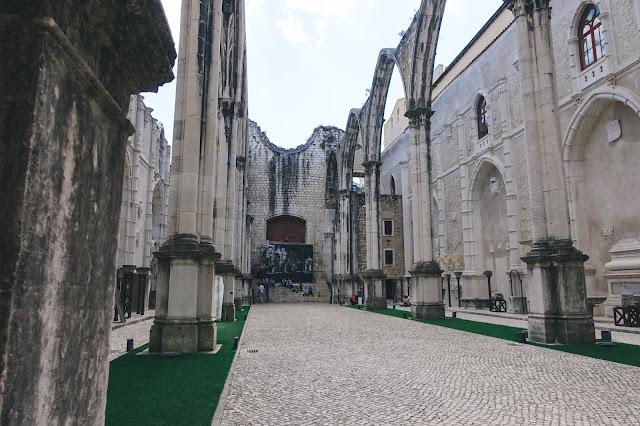 カルモ考古学博物館(Museu Arqueologico do Carmo)|身廊(Central Nave)
