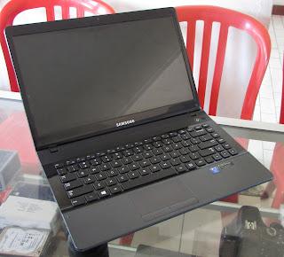 Jual Laptop Gaming Samsung NP300EAX Core i3 NVIDIA