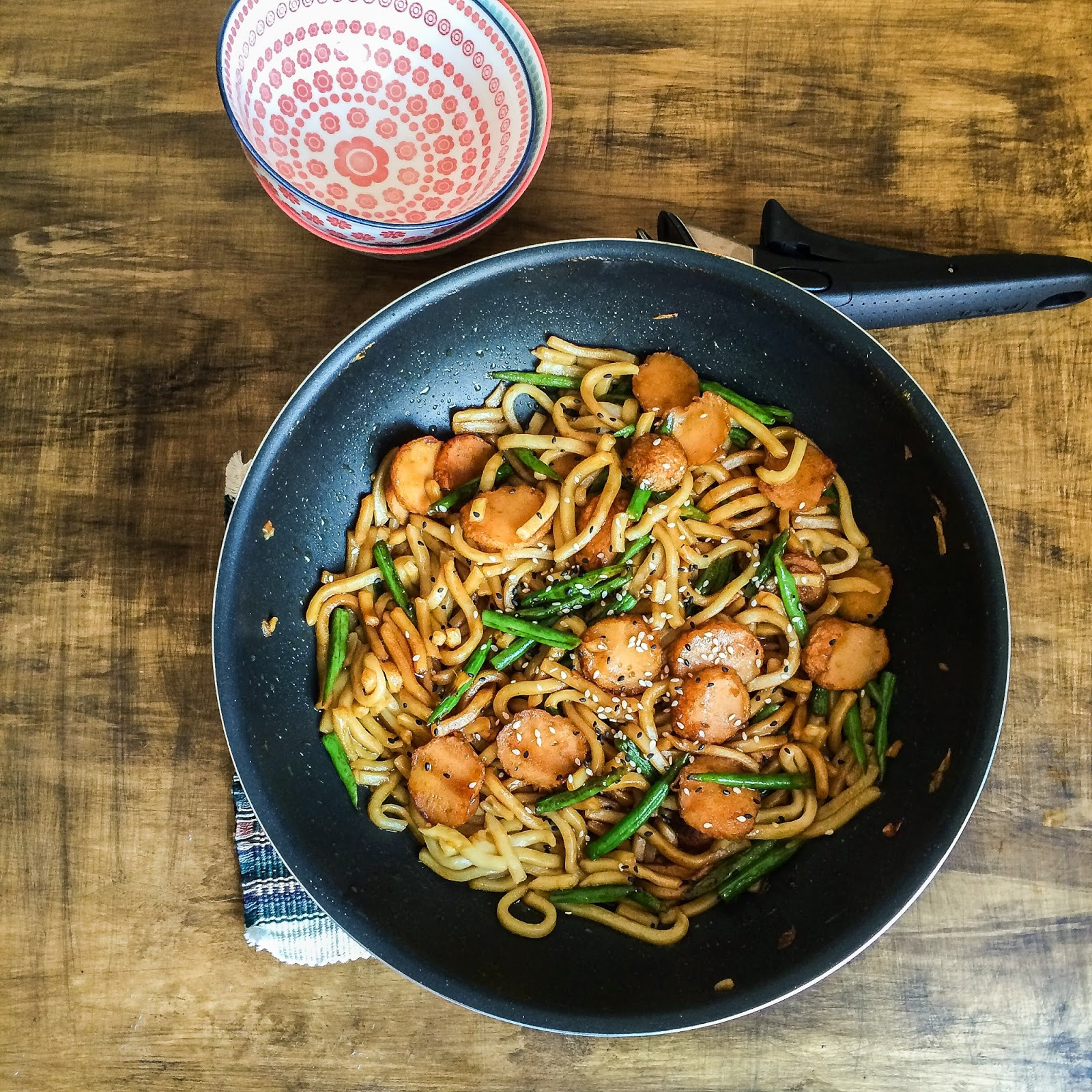 Dirty Kitchen Table: LoLo's Little Kitchen: Chilli Fish Balls And Dirty Noodle