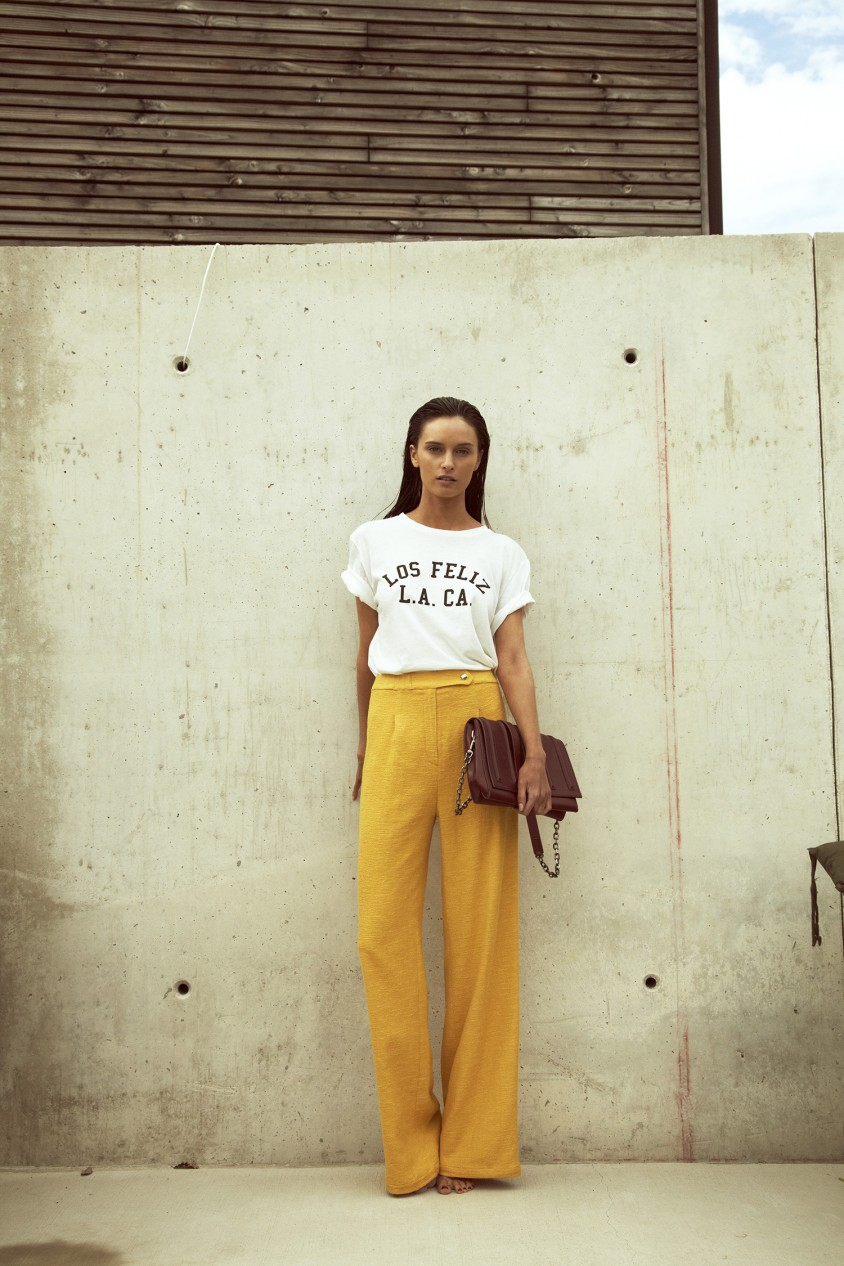 girl from north london, fashion blogger, ootd, look, tshirt yellow trousers outfit post pinterest