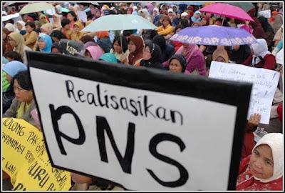 1 Juta Lebih Honorer Diangkat PNS!
