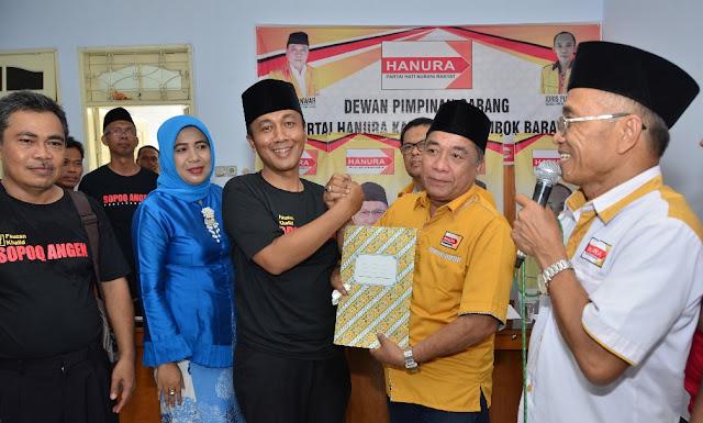 Fauzan Mengembalikan Berkas pendaftaran Balon Bupati Ke DPC Partai Hanura