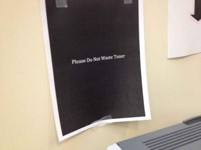 Señales y carteles irónicos