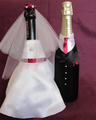 http://handmade.parafraz.space/atlasnyie-naryadyi-na-svadebnoe-shampanskoe-mk/