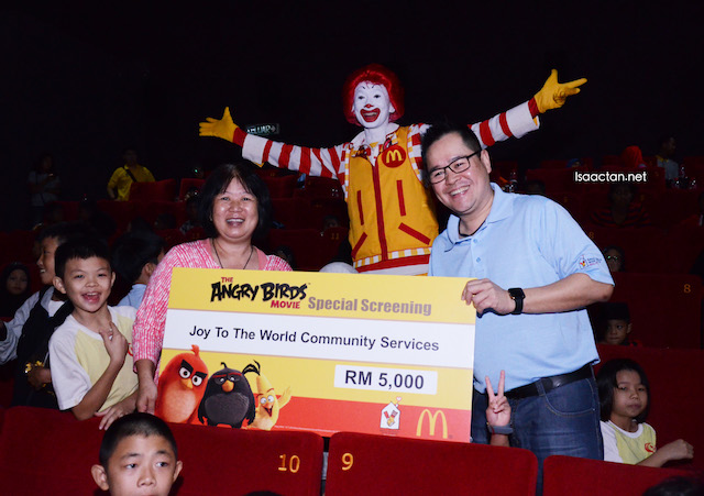Cheque presentation to House of Joy