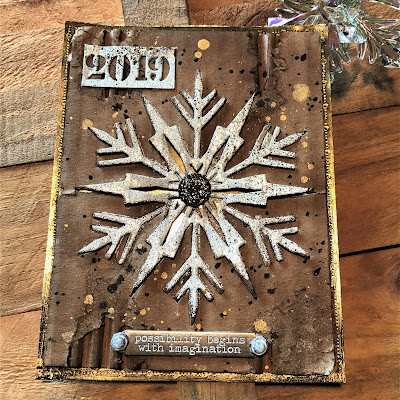 Sara Emily Barker Easy Mixed Media Techniques https://sarascloset1.blogspot.com/2019/01/easy-mixed-media-techniques-with-tim.html #timholtz #sizzixalterations #iceflake #kaleidoscope3D 3