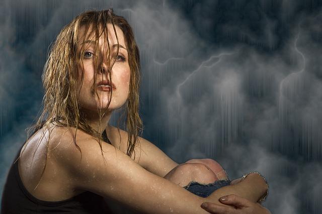Separamos 10 Motivos Para Nunca Dormir Com o Cabelo Molhado
