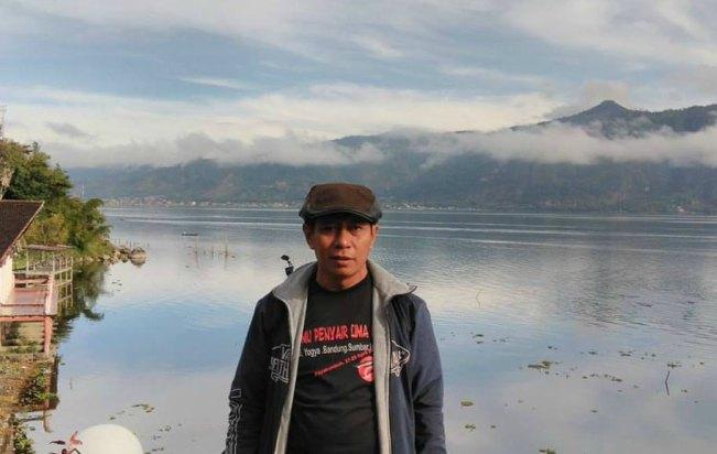 Dr. Endut Ahadiat, M. Hum