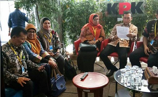 Bupati Batang di Panggil KPK di Jakarta