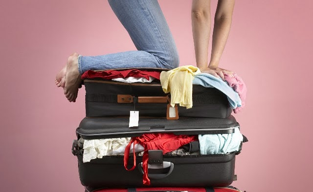 Como guardar lingerie na mala