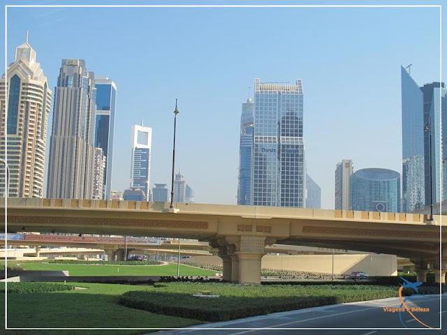 Os arranha-céus de Dubai
