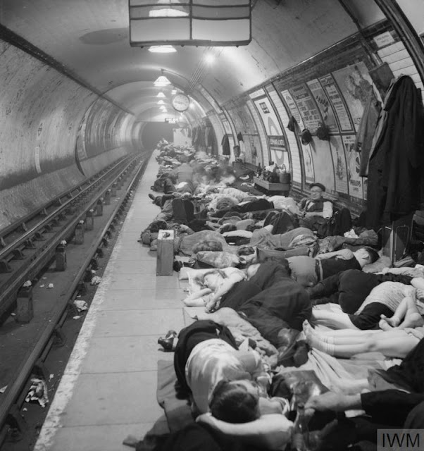 4 November 1940 worldwartwo.filminspector.com Elephant and Castle Underground