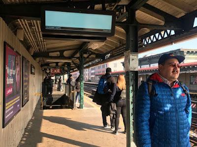"""Pasajeros reclaman que relojes del Subway """"están locos"""""""