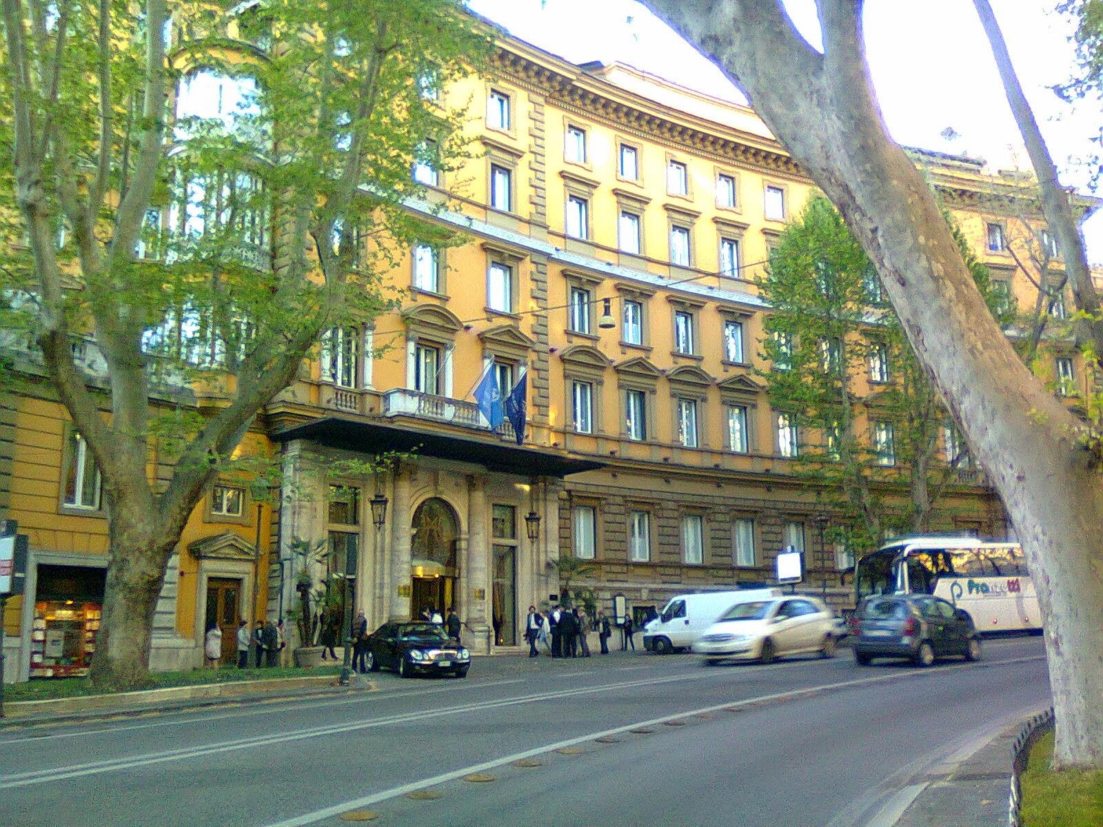 In bici per Roma Come sono belli gli alberghi storici di
