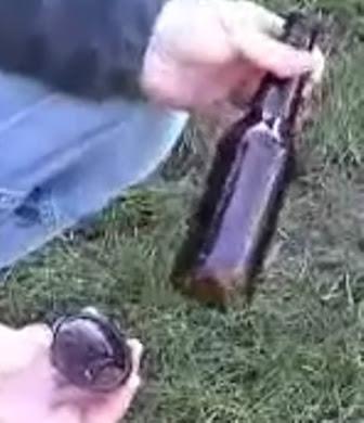 trik pecah dasar botol tanpa tenaga dalam