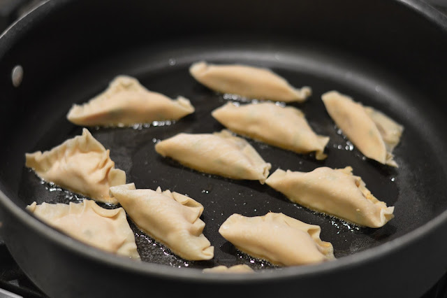 how-to-fry-potstickers