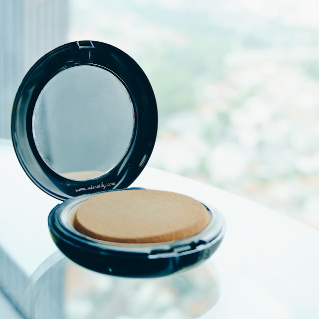makeup dan skincare yang dibawa saat travelling