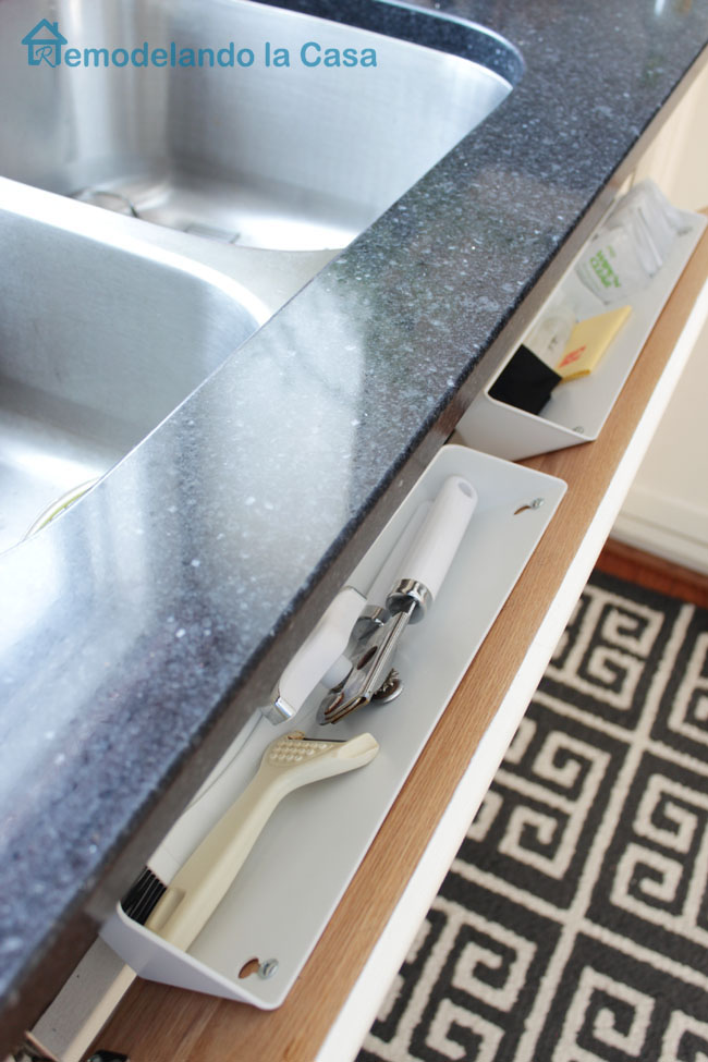 keep those items that you used most frequently at the sink out of sight.