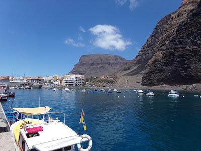 Strand und Hafen von Vueltas