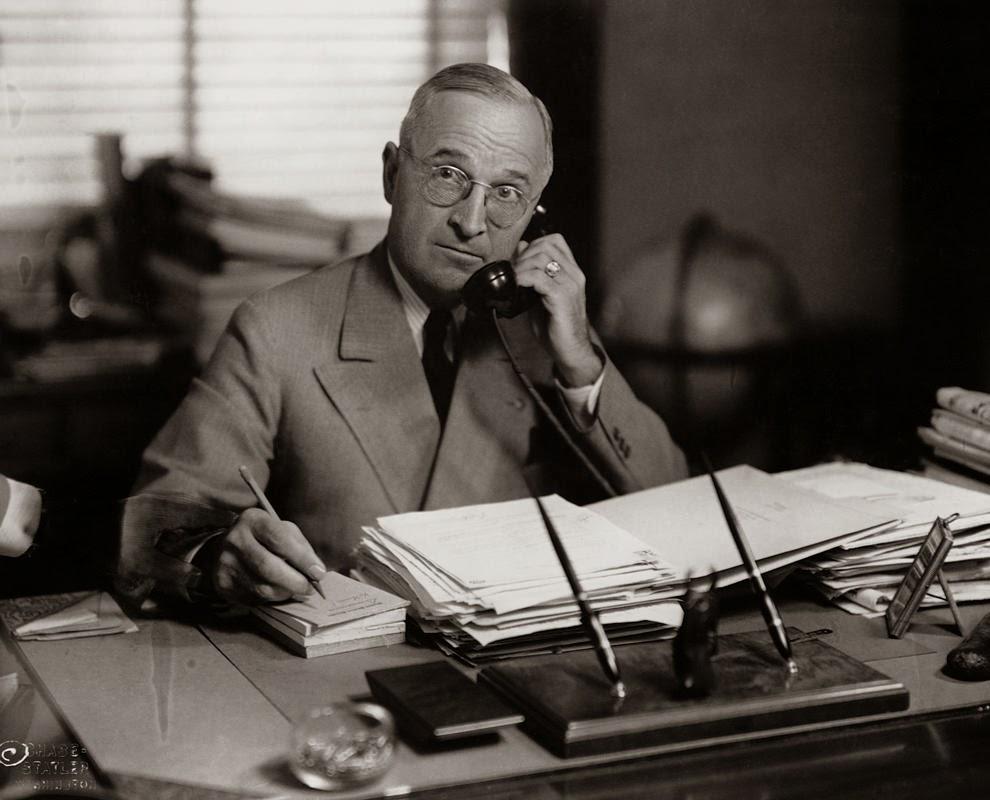 Vintage Secretary Desk >> Old Photos of U.S Presidential Phone Calls ~ vintage everyday