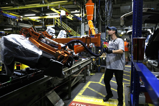 US manufacturing firms expect higher prices from tariffs
