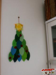 フェルト手作りクリスマス壁飾り