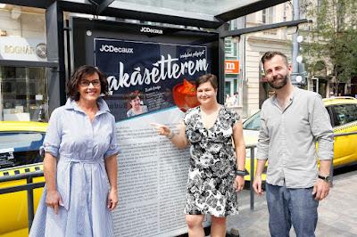 A JCDecaux Álljon meg egy novellára! 2018. pályázatának díjátadója, plakát (Lakásétterem) Astoriánál, Grecsó Krisztián, Samu Tímea, Ecsédi Orsolya.