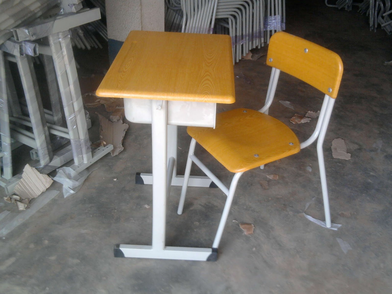 New Arrivals Modern Innovation Classroom Desks and Chairs