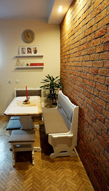 Stylowa ściana z płytek z cegły