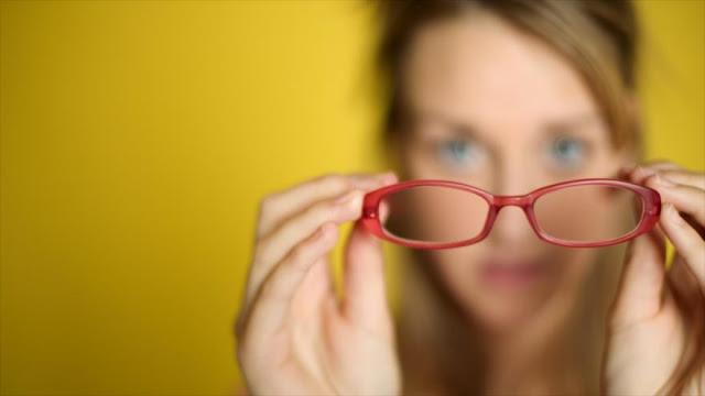 ¿A qué se debe el aumento de la miopía en todo el mundo?