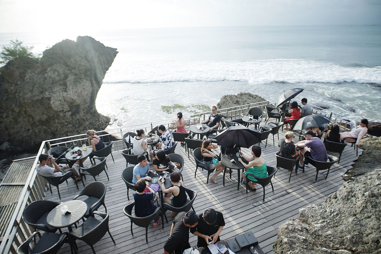Rock Bar Bali at Ayana Resort and Spa