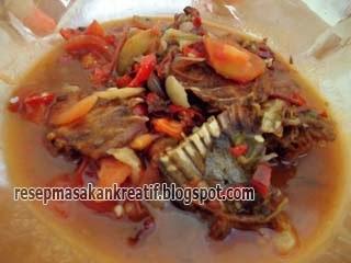 Menu makan harian dengan tulang ikan asin jambal roti sanggup menjadi variasi  lainnya seba RESEP TULANG JAMBAL ROTI MASAK PEDAS