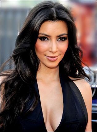Kim Kardashian Beauty And Style Kim Kardashian Curly