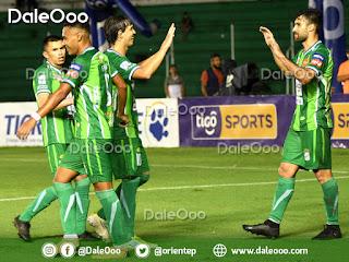 Jugadores de Oreinte Petrolero festejan la goleada a Real Potosí - DaleOoo