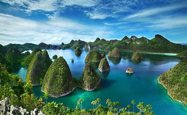 Raja Ampat Keindahan Alam Pulau terbesar di Indonesia