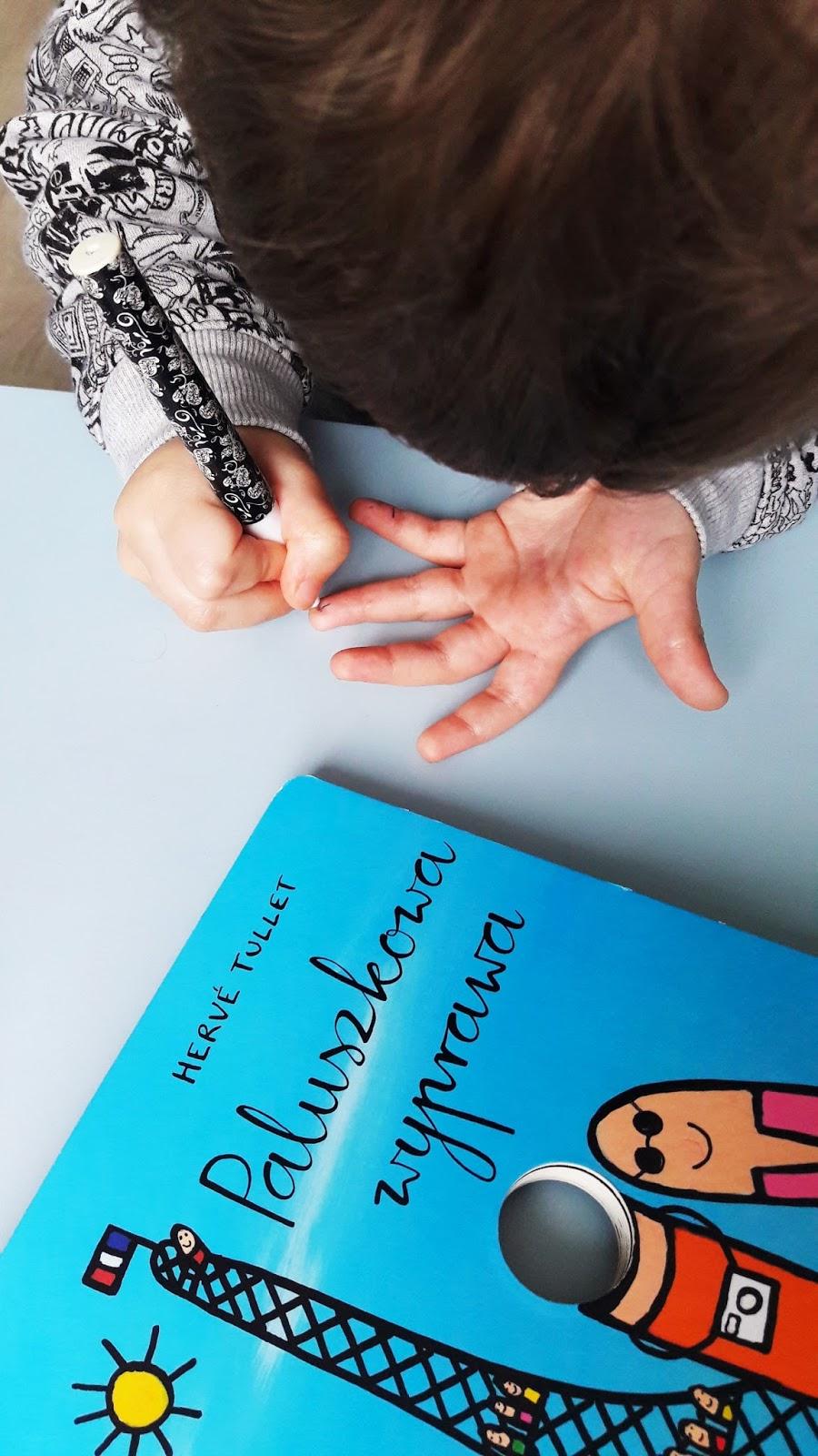 rysujemy robaczki - paluszkowa wyprawa robaczki Hervé-Tullet - wydawinctwo insignis