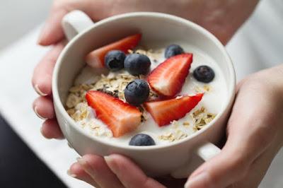 Comer alimentos ricos en proteinas