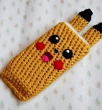 http://translate.google.es/translate?hl=es&sl=auto&tl=es&u=http%3A%2F%2Fwww.prettycolumn.co.uk%2F2015%2F02%2Fpikachu-phone-cover-free-crochet-pattern.html