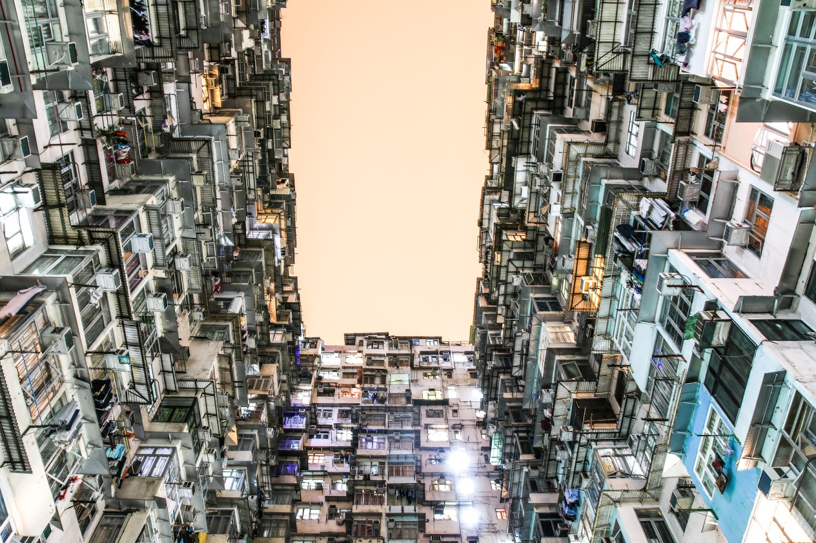 Montae Mansion has the most incredible architecture and calling of all the photographers to come see this densely populated place | 3 Day Travel Guide in Hong Kong