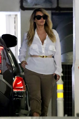 Kim Kardashian and always beautifully dressed blonde, the young mother tightens its belt !