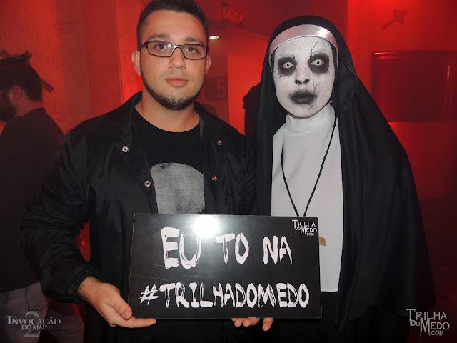 Atriz Juliana Garcia também está na Trilha do Medo como a freira demônio Valak na Pré estreia Invocação do Mal 2 Premiere