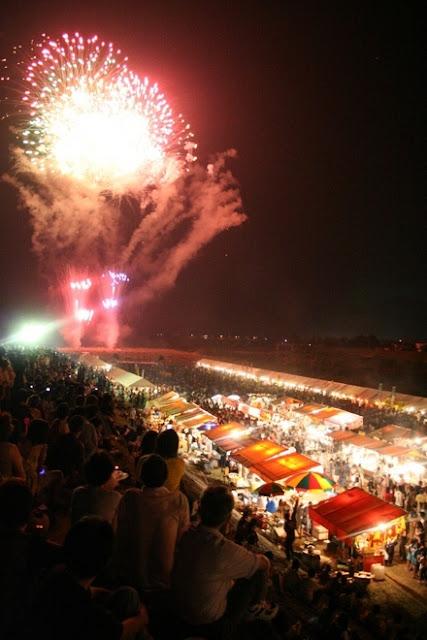 Utsubuki Matsuri (fireworks & dance), Kurayoshi City, Tottori Pref.