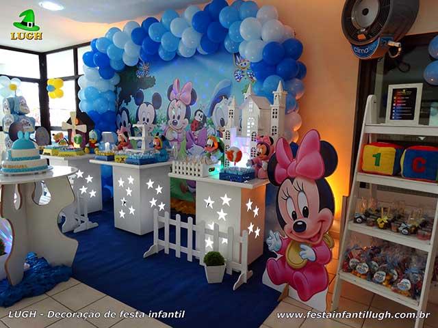 Mesa decorada de aniversário infantil Baby Disney